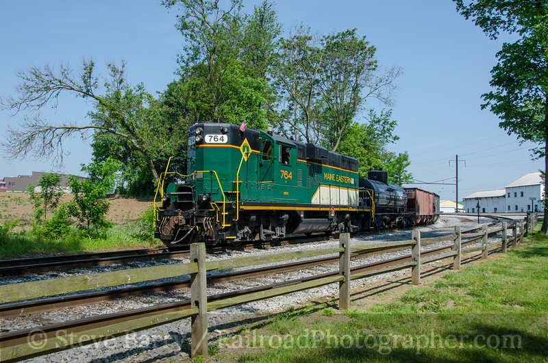 Photo 3798<br /> Maine Eastern (on Strasburg Rail Road); Leaman Place Junction, Paradise, Pennsylvania<br /> May 28, 2016