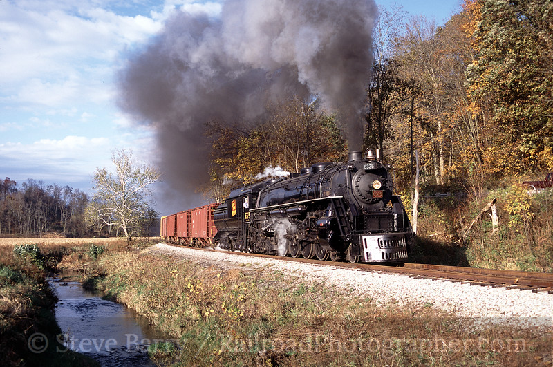 Photo 0275<br /> Grand Trunk Western 6325; Pearl, Ohio<br /> October 2003