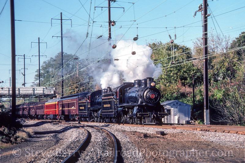 Photo 4537<br /> Pennsylvania 7002 & 1223<br /> Royalton, Pennsylvania<br /> October 1986