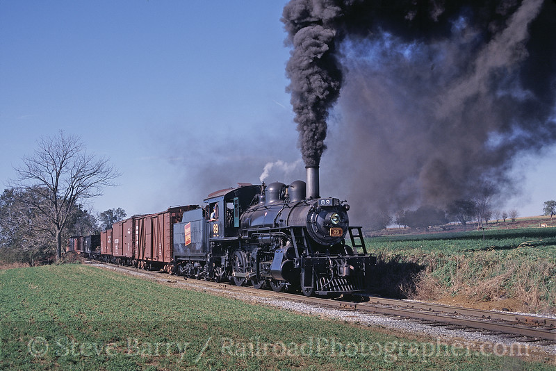 Photo 0655<br /> Strasburg; Paradise, Pennsylvania<br /> October 2003