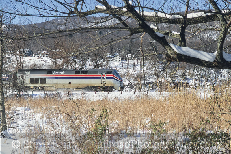 Photo 3767<br /> Amtrak; Manitou, New York<br /> December 2000