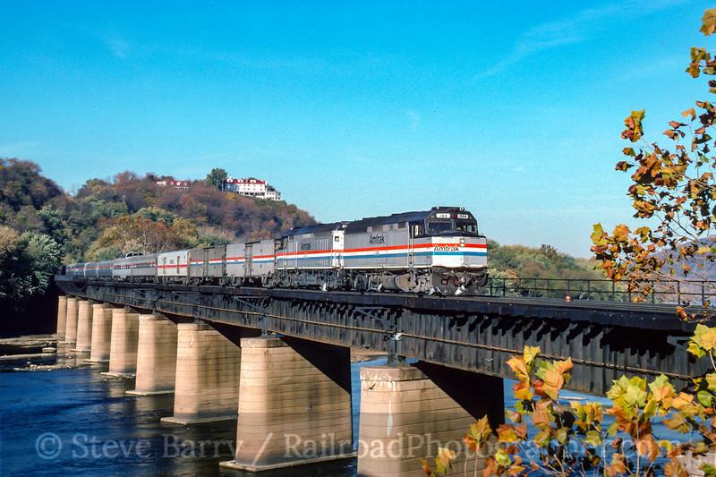 Photo 4655<br /> Amtrak<br /> Sandy Hook, Maryland<br /> October 1994