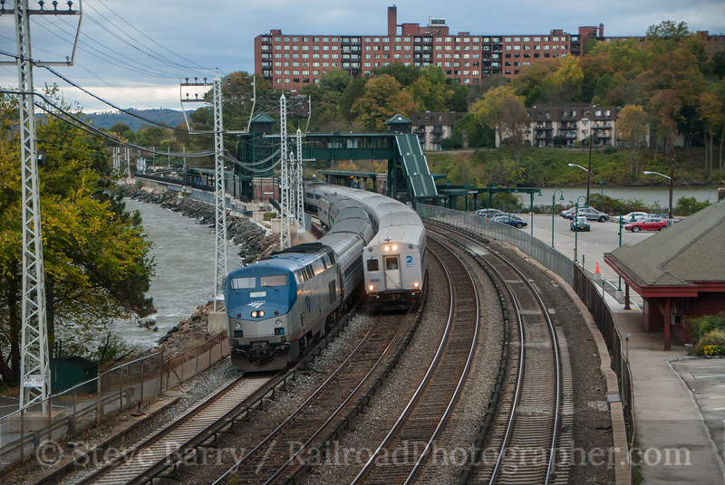 Photo 3242<br /> Amtrak and Metro North; Scarborough, New York<br /> October 26, 2014