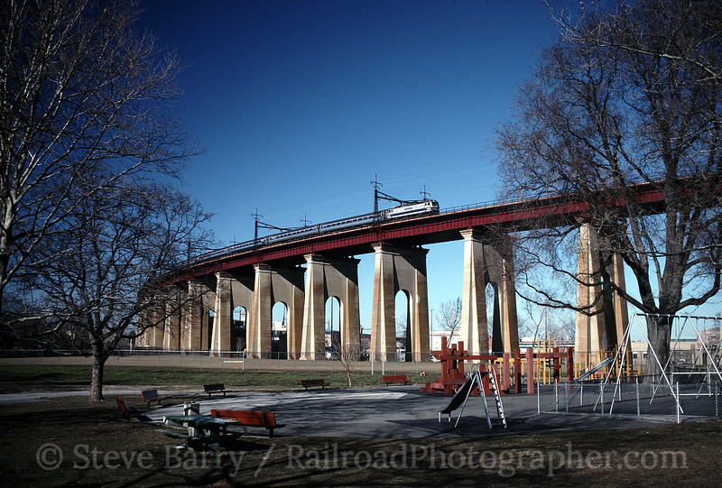 Photo 0790<br /> Amtrak; Hell Gate Bridge, Astoria, New York<br /> March 8, 1999
