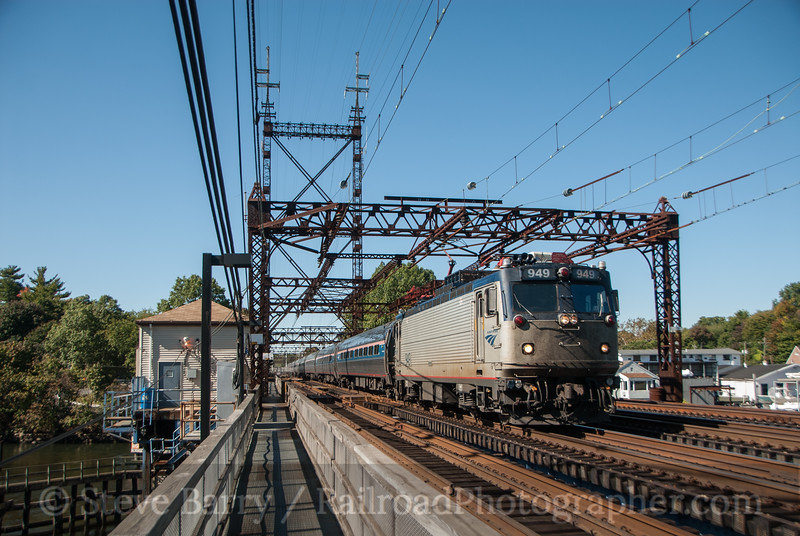 Photo 3221 Amtrak; Westport, Connecticut October 5, 2014