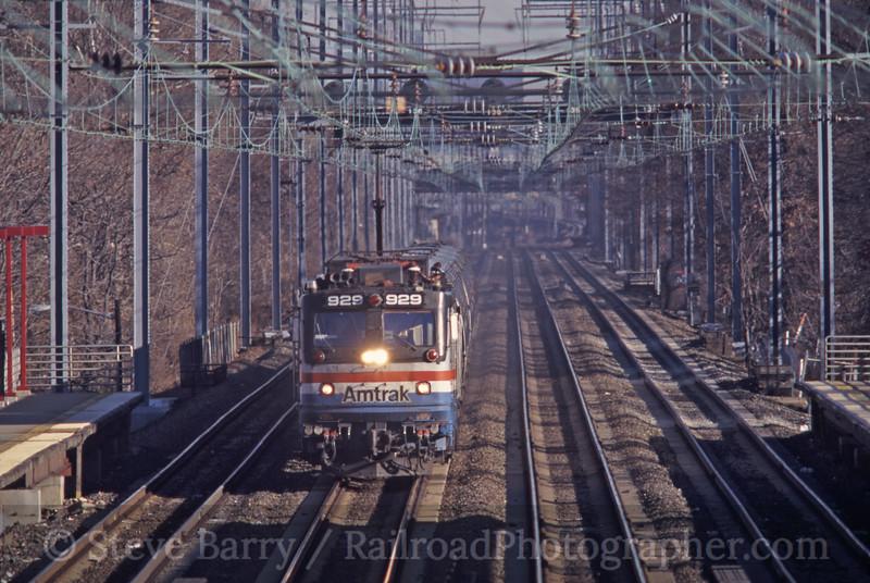 Photo 0717<br /> Amtrak; Elizabeth, New Jersey<br /> November 2000