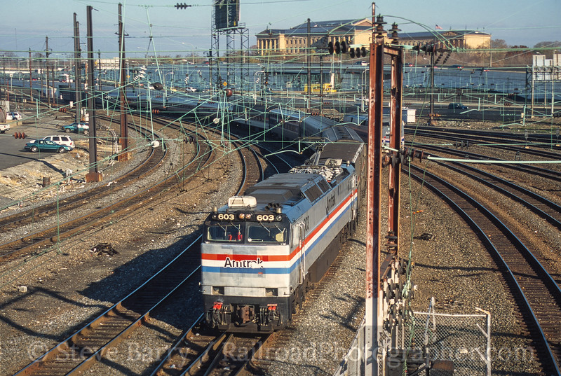 Photo 4170<br /> Amtrak; 30th Street Station, Philadelphia, Pennsylvania<br /> November 2000