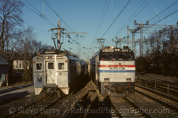 Photo 4162 NJT and Amtrak; Princeton Junction, New Jersey November 1999
