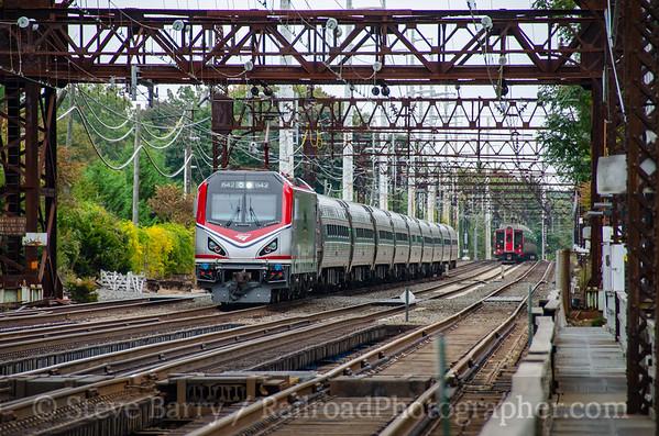 Photo 3958 Amtrak and Metro North; Westport, Connecticut October 8, 2016
