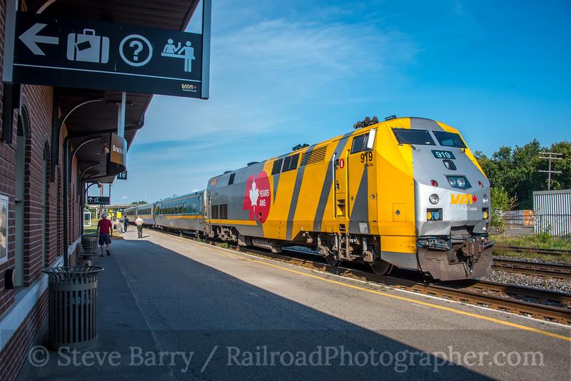 Photo 5187<br /> VIA Rail Canada<br /> Brockville, Ontario<br /> September 5, 2018