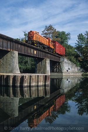 Photo 4185 Batten Kill; Middle Falls, New York September 2003