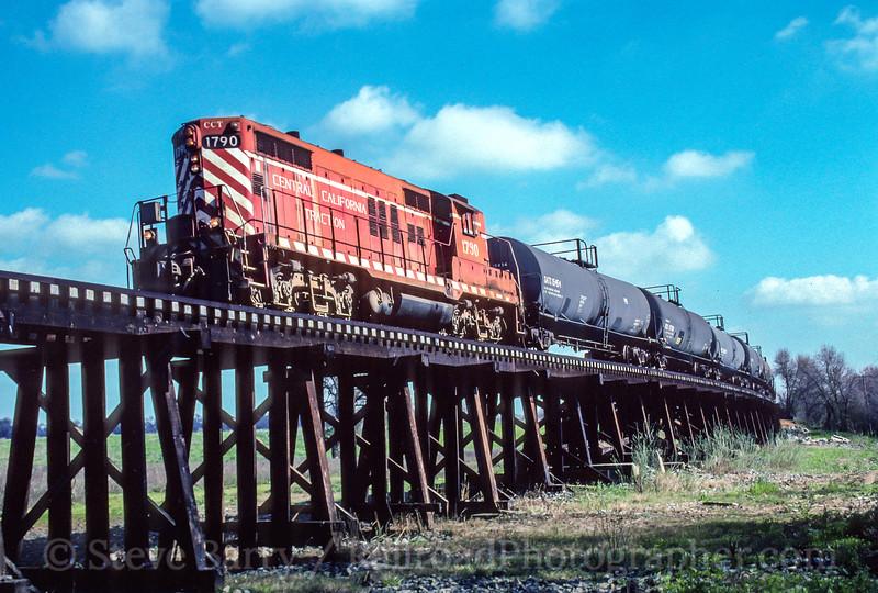 Photo 5131<br /> Central California Traction<br /> Wilton, California<br /> March 1998