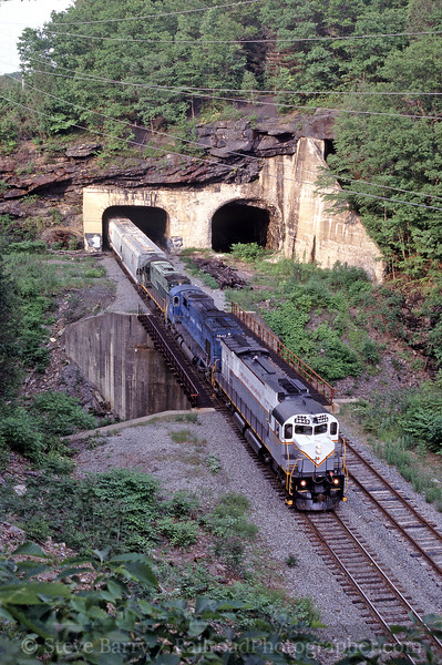 Photo 0236<br /> Delaware Lackawanna; Nay Aug Tunnel, Scranton, Pennsylvania<br /> June 2003
