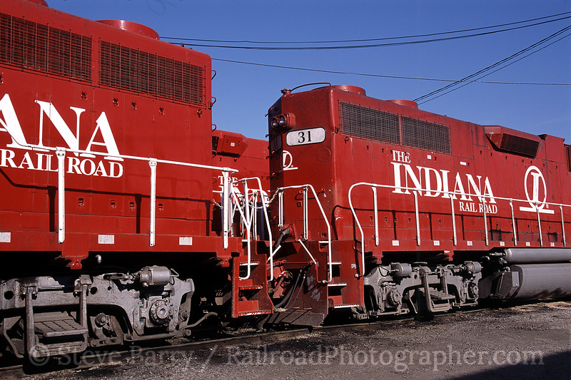 Photo 0859<br /> Indiana Rail Road; Indianapolis, Indiana<br /> April 18, 2005