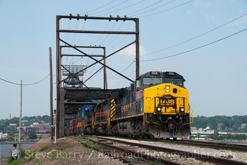 Photo 2151<br /> Iowa Interstate; Government Bridge, Rock Island, Illinois<br /> July 17, 2011