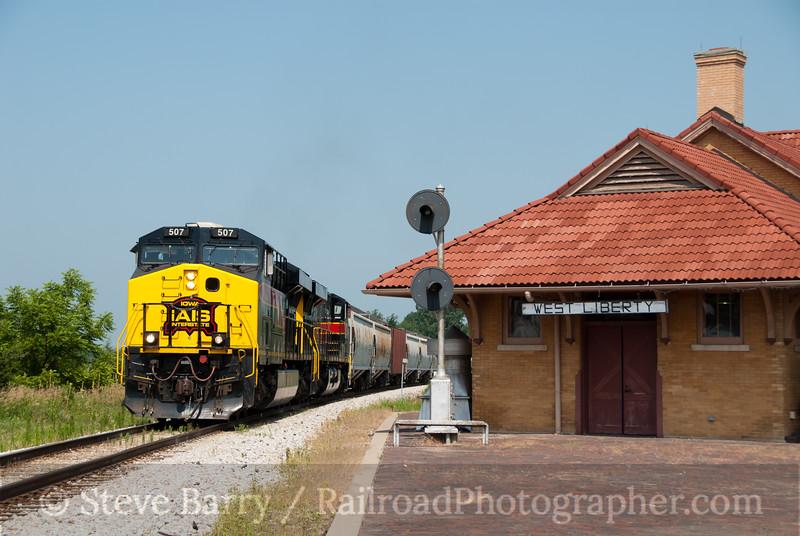 Photo 2155<br /> Iowa Interstate; West Liberty, Iowa<br /> July 18, 2011