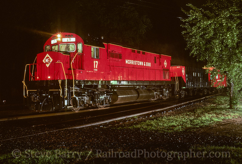 Photo 5381<br /> Morristown & Erie<br /> Whippany, New Jersey<br /> August 1988