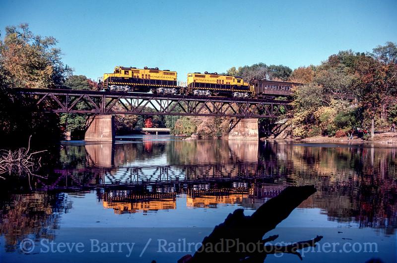 Photo 2194<br /> New York, Susquehanna & Western; Oakland, New Jersey<br /> October 1981