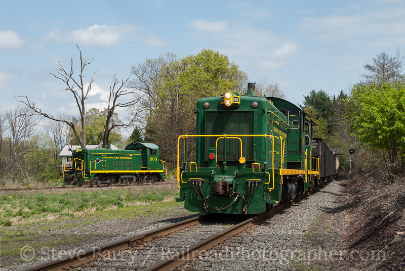 Photo 2563<br /> Reading, Blue Mountain & Northern; East Mahanoy Junction, Pennsylvania<br /> May 5, 2012