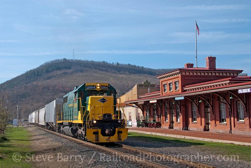 Photo 1835<br /> Reading, Blue Mountain & Northern; Tamaqua, Pennsylvania<br /> April 2, 2010