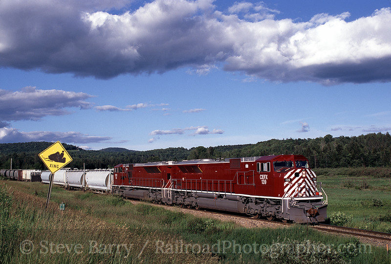 Photo 0569<br /> Vermont Rail System (Green Mountain); Cherry Hill, Vermont<br /> July 2000
