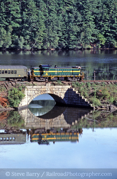 Photo 0268<br /> Vermont Rail System (Green Mountain); Norwich, Vermont<br /> September 11, 2004