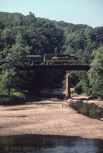 Photo 2491 Vermont Rail System; Bellows Falls, Vermont July 31, 1999