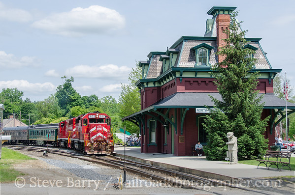 Photo 3433 Vermont Rail System; North Bennington, Vermont June 20, 2015
