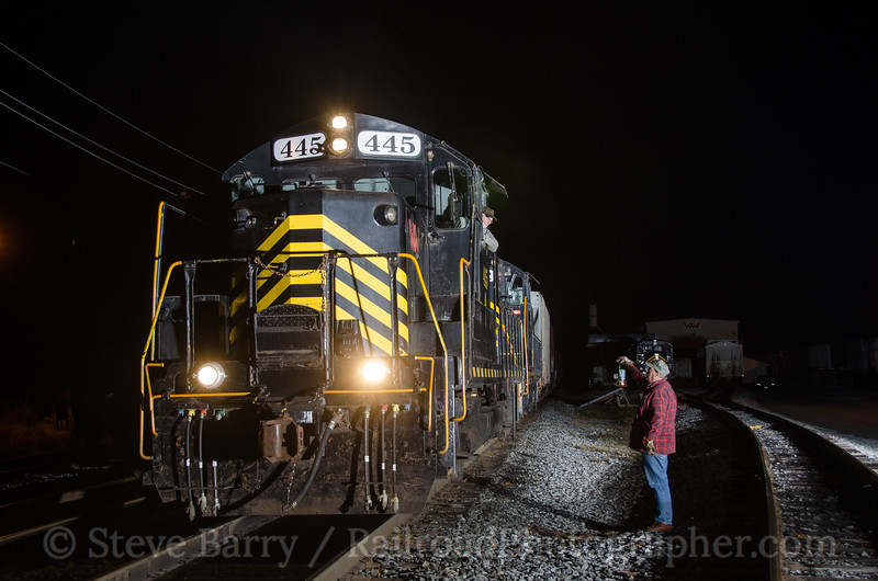 Photo 2485<br /> Winchester & Western; Bridgeton, New Jersey<br /> November 2, 2012