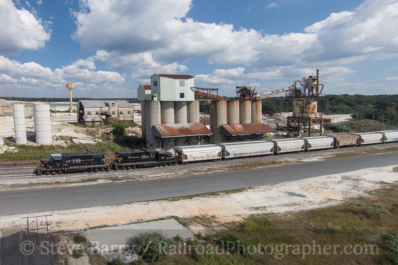 Photo 3500<br /> Winchester & Western; Newport, New Jersey<br /> September 18, 2015