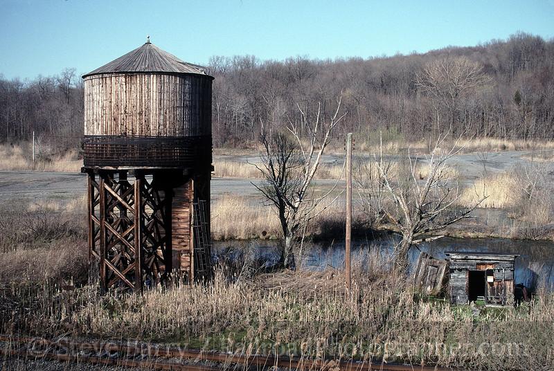 Photo 1494<br /> Conrail; Rock Hill, Pennsylvania<br /> April 15, 1997
