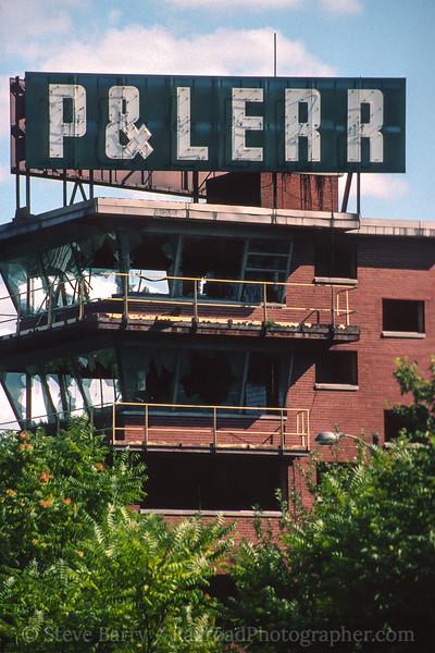 Photo 4455<br /> Pittsburg & Lake Erie<br /> Gateway Yard, Lowellville, Ohio<br /> August 1999