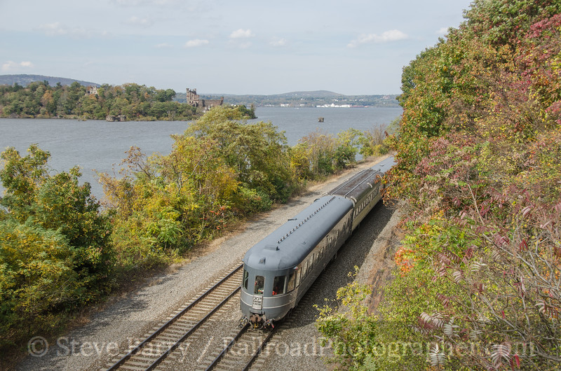 Photo 2817<br /> Amtrak; Breakneck Ridge, Cold Spring, New York<br /> October 19, 2013