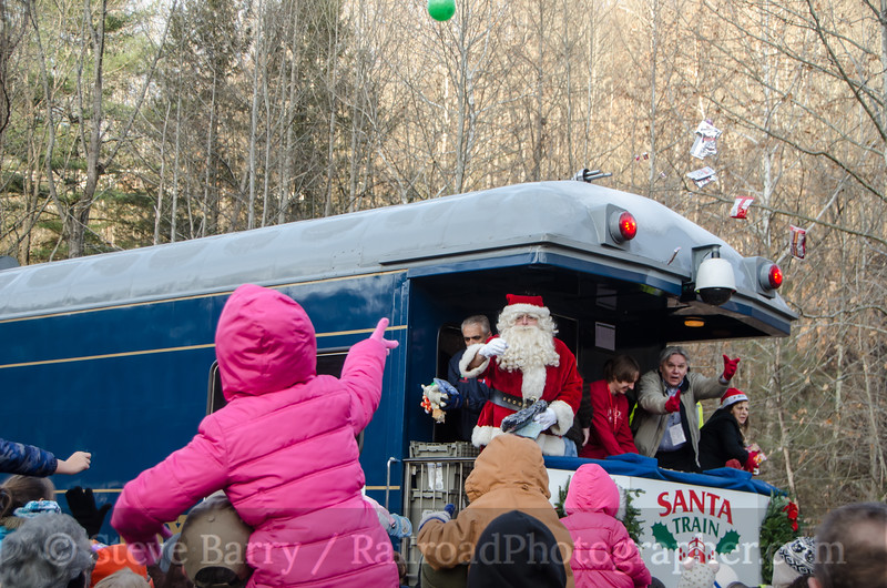 Photo 3262<br /> CSX Santa Train; Haysi, Virginia<br /> November 22, 2014