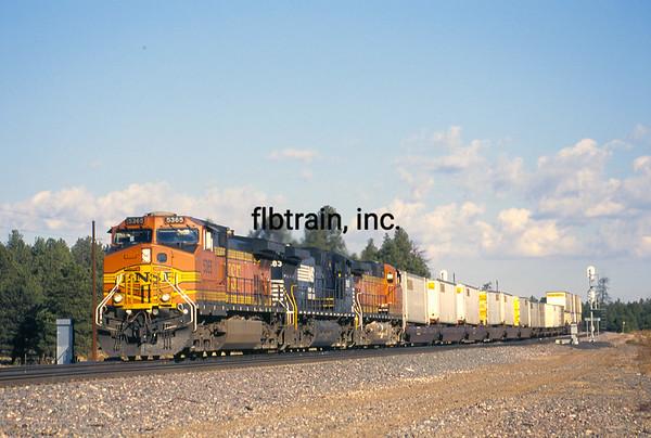 BNSF2004100342 - BNSF, Chalender, AZ, 10/2004