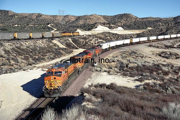 BNSF2001020232 - BNSF, Cajon Pass, CA, 2/2001