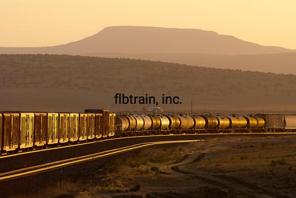 BNSF2012051376 - BNSF, Seligman, AZ, 5/2012