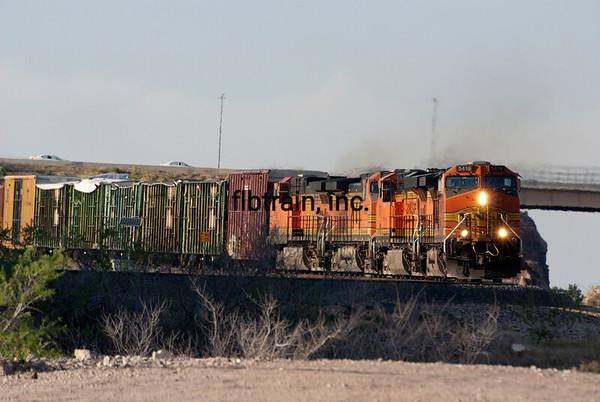 BNSF2012050623 - BNSF, Kingman, AZ, 5/2012