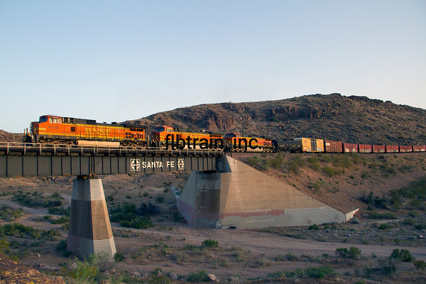 BNSF2012050950 - BNSF, Kingman, AZ, 5/2012