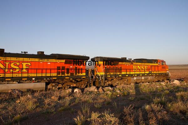 BNSF2012051132 - BNSF, Seligman, AZ, 5/2012