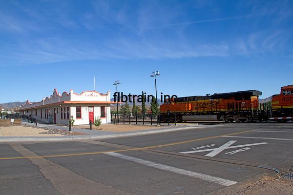BNSF2012050300 - BNSF, Kingman, AZ, 5/2012