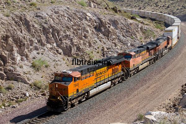 BNSF2012050974 - BNSF, Kingman, AZ, 5/11/2012