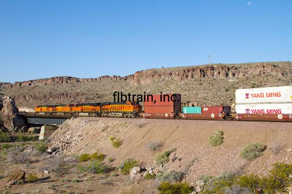 BNSF2012050757 - BNSF, Kingman, AZ, 5/2012