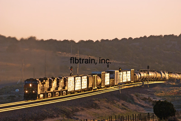 BNSF2012051510 - BNSF, Crookton Overpass, AZ, 5/2012