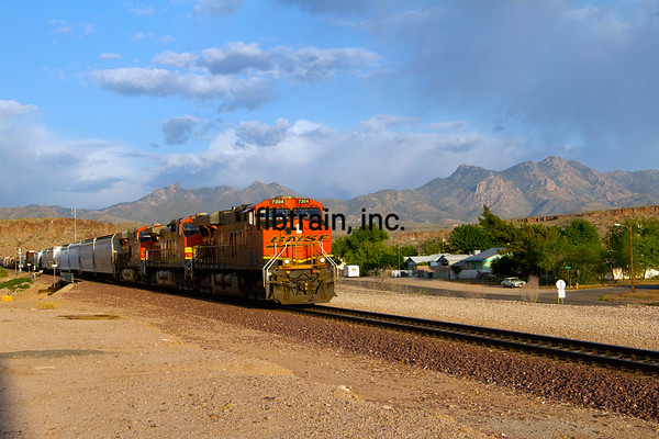 BNSF2012050841 - BNSF, Kingman, AZ, 5/2012