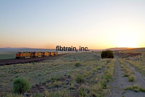 BNSF2012051386 - BNSF, Seligman, AZ, 5/2012