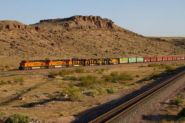 BNSF2012050450 - BNSF, Kingman, AZ, 5/2012