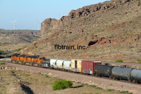 BNSF2012050246 - BNSF, Kingman, AZ, 5/2012