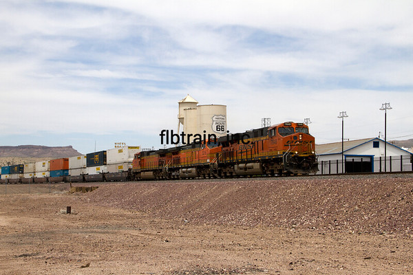 BNSF2012050152 - BNSF, Kingman, AZ, 5/2012