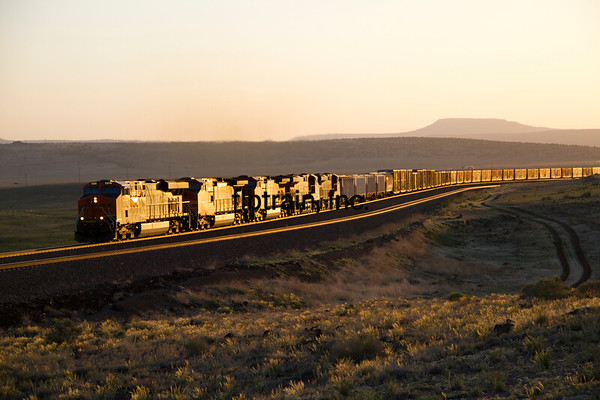 BNSF2012051371 - BNSF, Seligman, AZ, 5/2012